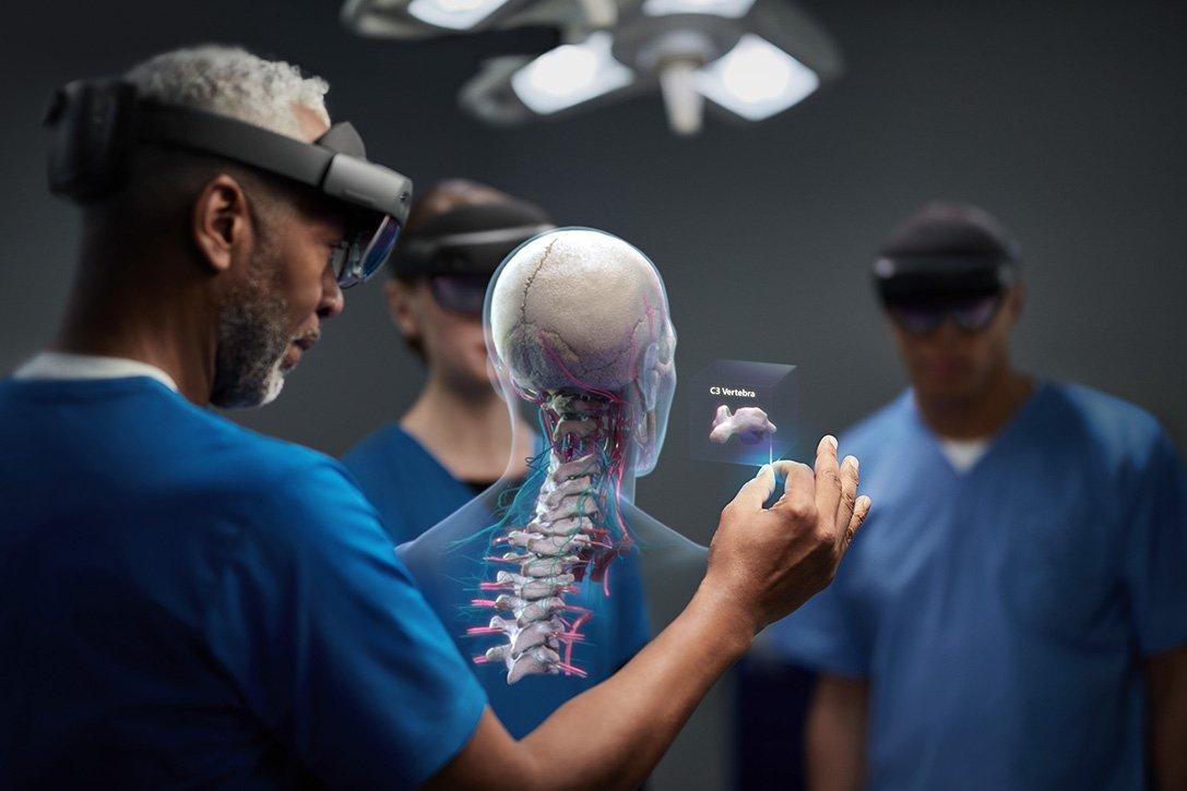 Microsoft HoloLens 2 Sağlık